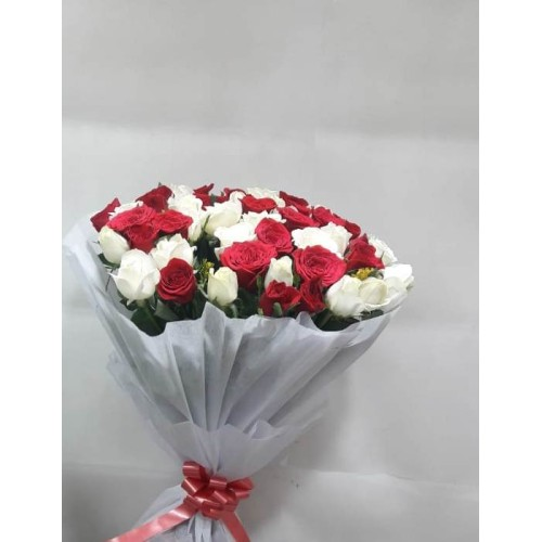 20 Red And White Roses Bunch with White Paper Packing