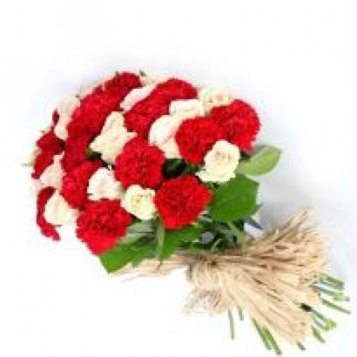 Carnations bunch with Roses