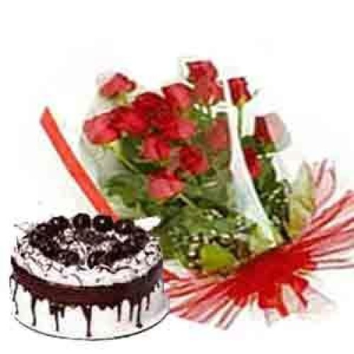 Fresh Black Forest Cake with 12 Roses in a Bunch