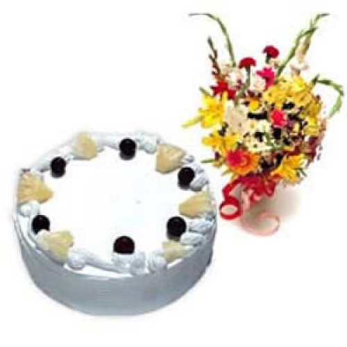 1 kg  Pineapple Cake + 12 Mix Flowers Bunch