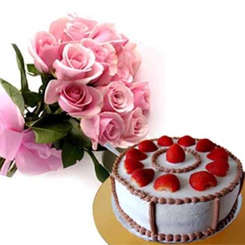 Strawberry Cake with Roses